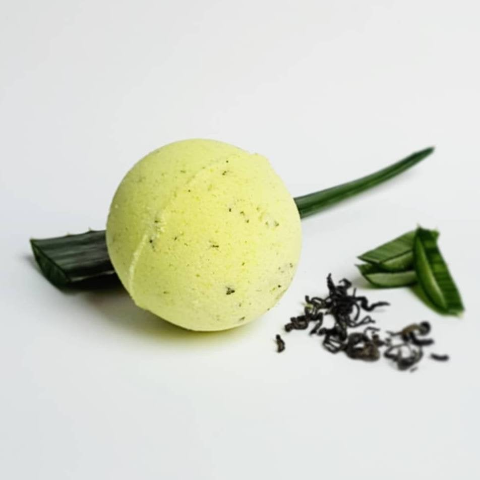 Green Tea & Aloe Vera Bath Bomb