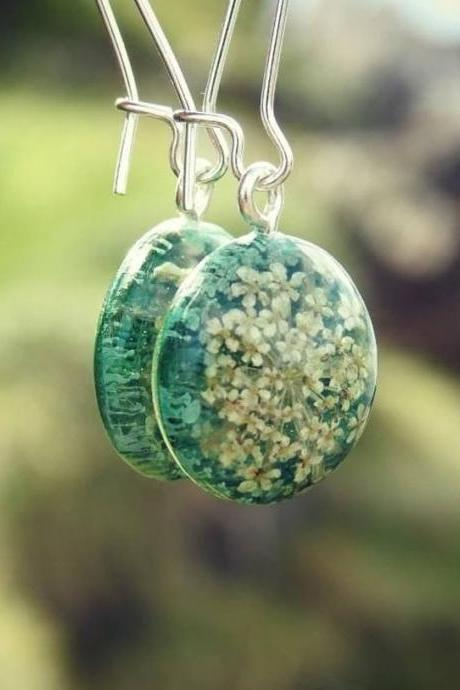 Green Resin Closed Kidney Hoop Earrings With Real Flowers