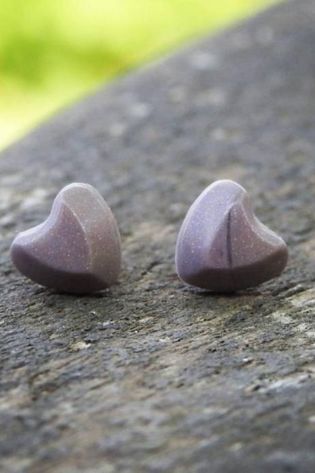 Bronze Heart-Shaped Resin Stud Earrings