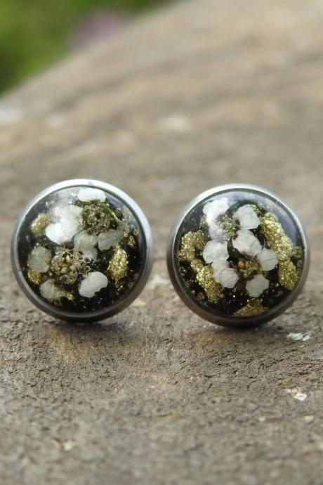 Black And Gold Resin Stud Earrings With Real Flowers