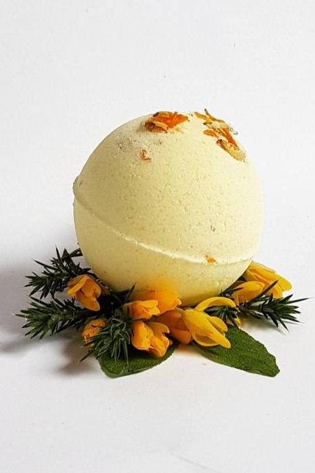 Irish Gorse Flower & Sage Bath Bomb