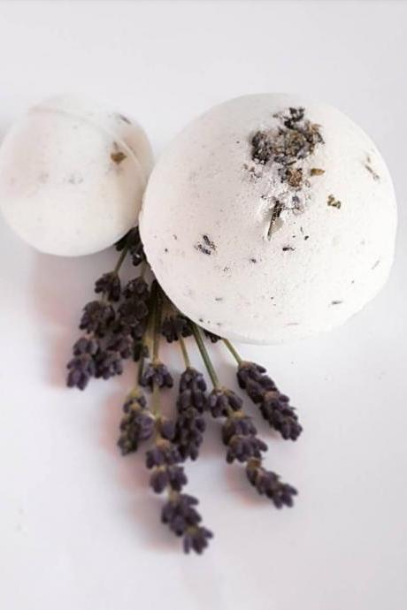 Sleepy Lavender Bath Bomb