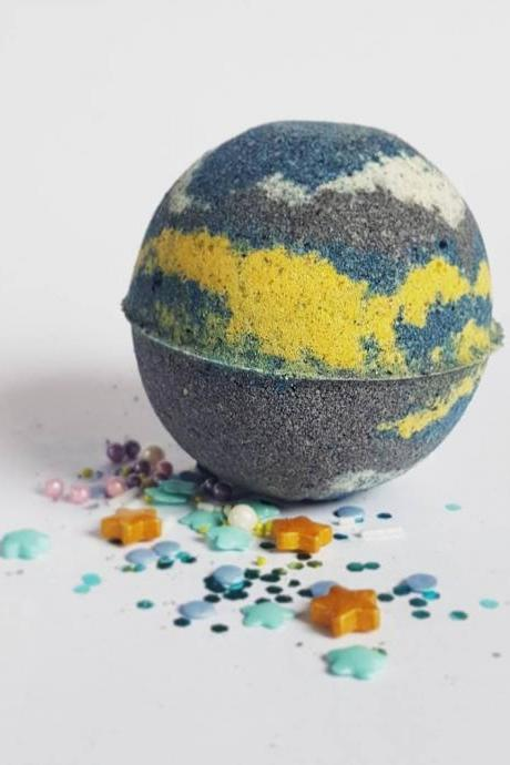 Intergalactic Bath Bomb with Eco Glitter